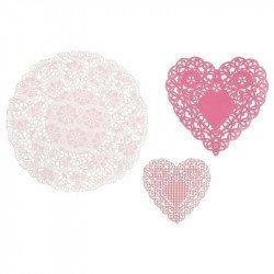 Napperons roses forme coeur sur une boite (x30)