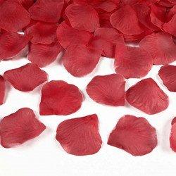 Pétales avec feuilles en tissu couleur rouge